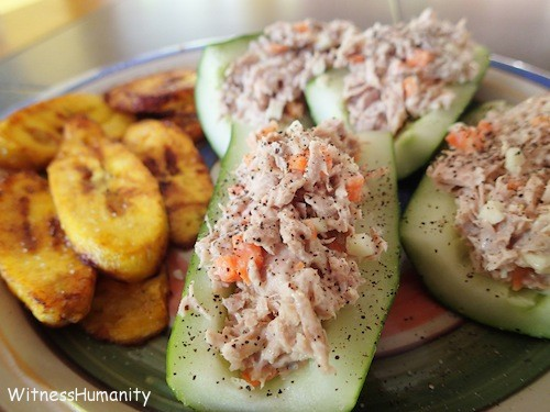 Cucumber stuffed with tuna fish and plantains on the side is a super easy lunch for travelers!